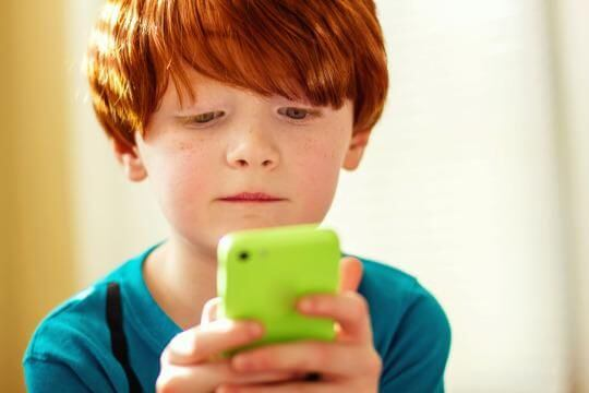 How Cell Spy Software Helps Protect Kids From The Dangers Of Online Shopping