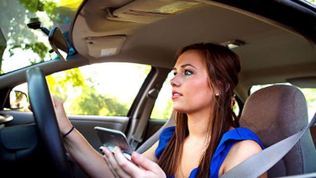 High Percentage of Teens Admit They Use Cell Phone While Driving